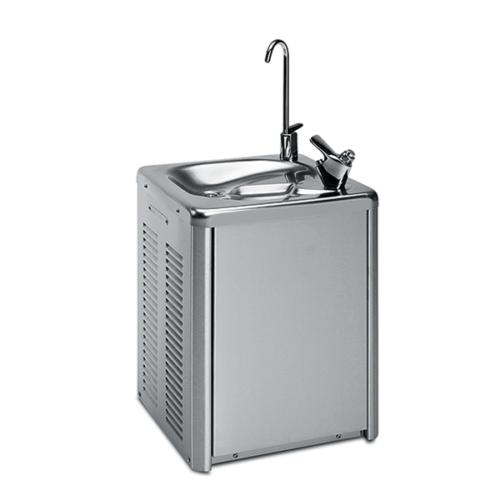 Väggmonterad Dricksfontän för kallt vatten upp till + 4 ° C, min. 31 liter / h